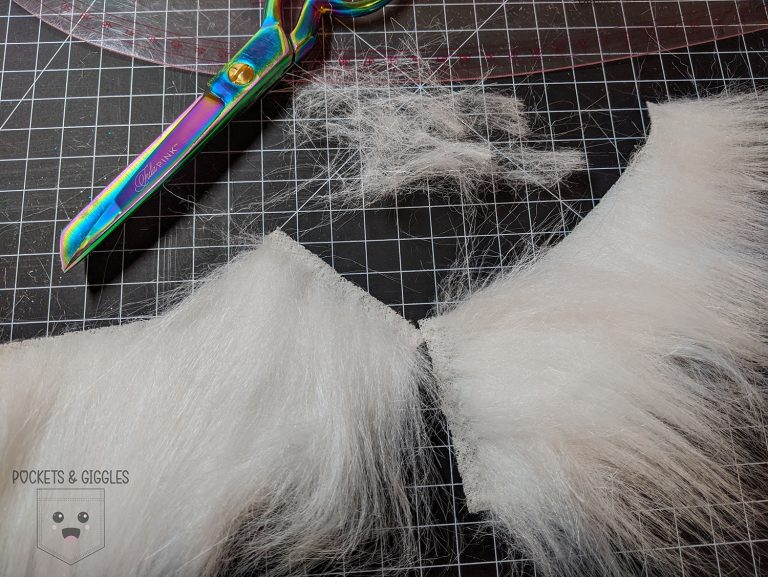 Image of fur with fur clipped away at the seam allowance.